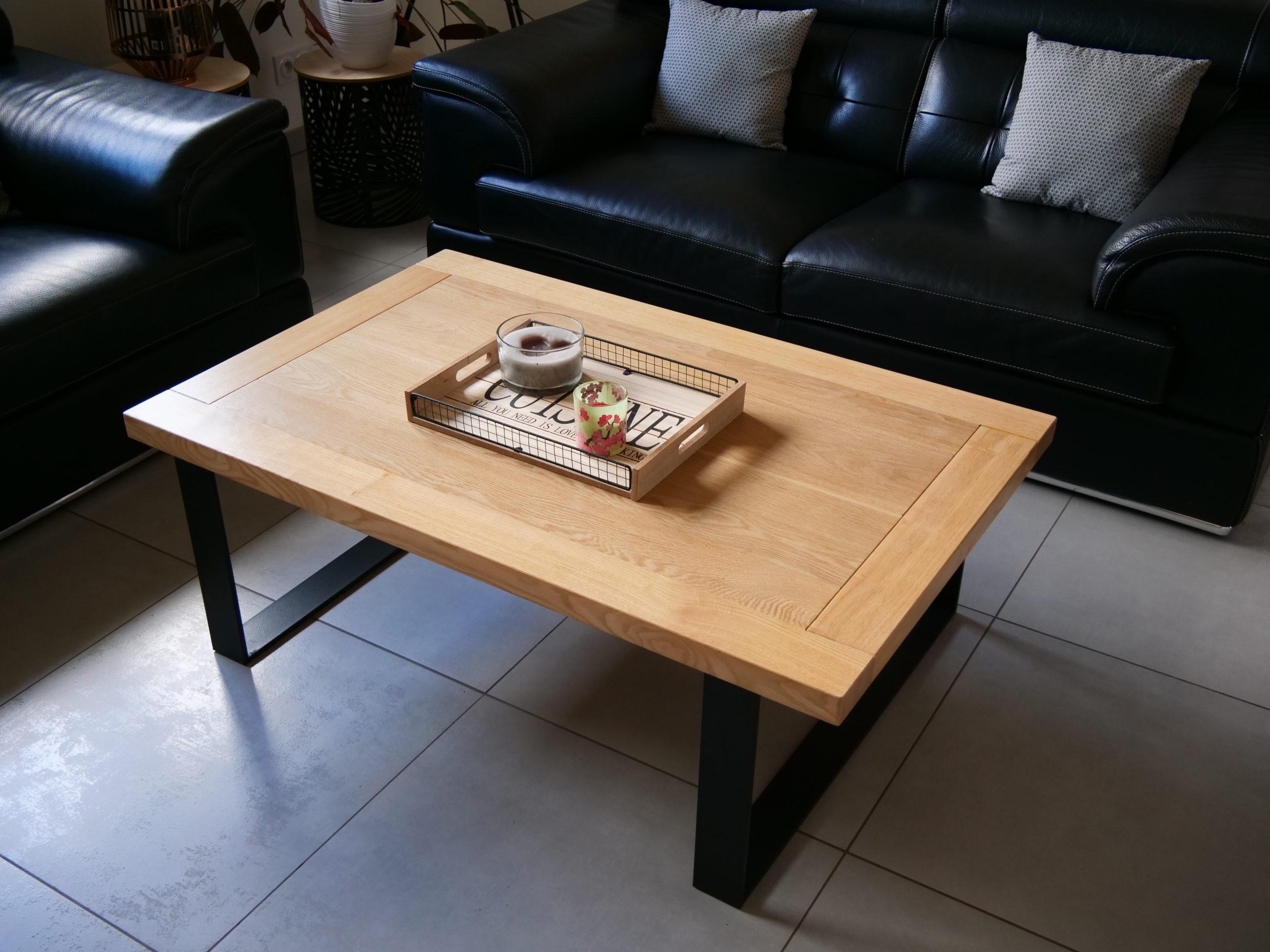 Table en frêne, chêne et piétement metallique
